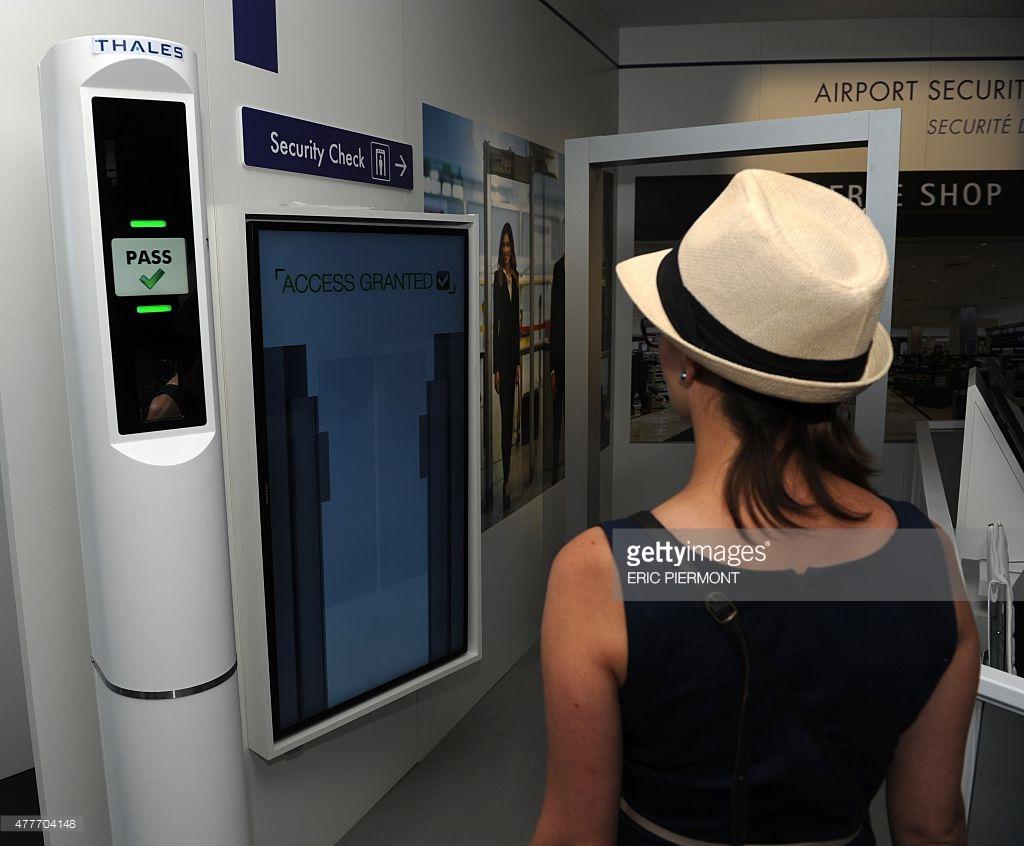 biometric-airport-control